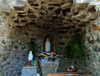 A Gruta Nossa Senhora de Lourdes, na Cidade de Nova Prata, RS