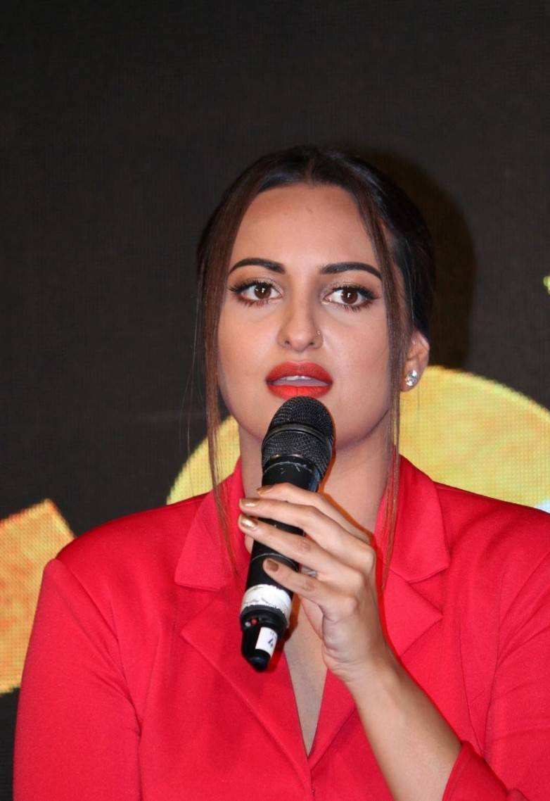 Sonakshi Sinha At Force 2 Rang Laal Video Song Launch ...