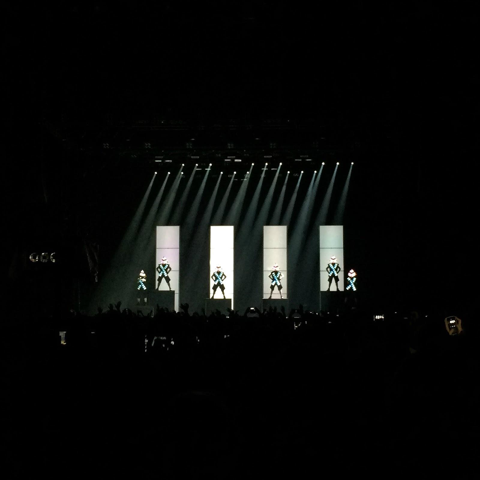 Deichkind Konzert, Köln, Lanxess Arena, Krawall und Remmidemmi, Mittwochs mag ich, Mmi