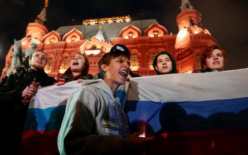 Ρωσία: Τρεις  διαδηλωτές χρήσιμοι ηλίθιοι...και δεκάδες προσαγωγές κομμουνιστών!