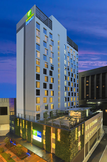 HOLIDAY INN EXPRESS MAKES ITS SINGAPORE DEBUT ON ORCHARD ROAD   Malaysian Foodie