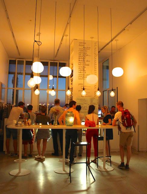 Vorhoelzer Forum TU Café