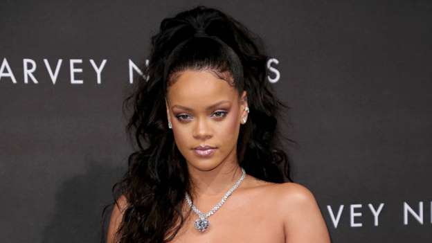 Rihanna calls for end to gun violence after her cousin is shot dead