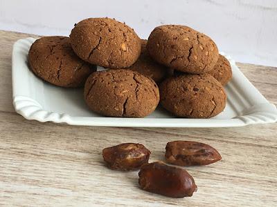 Ciastka z daktyli i wiórków kokosowych