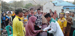 UPZ-BAZ Kecamatan Wera Berikan bantuan korban Kebakaran Desa Nanga wera