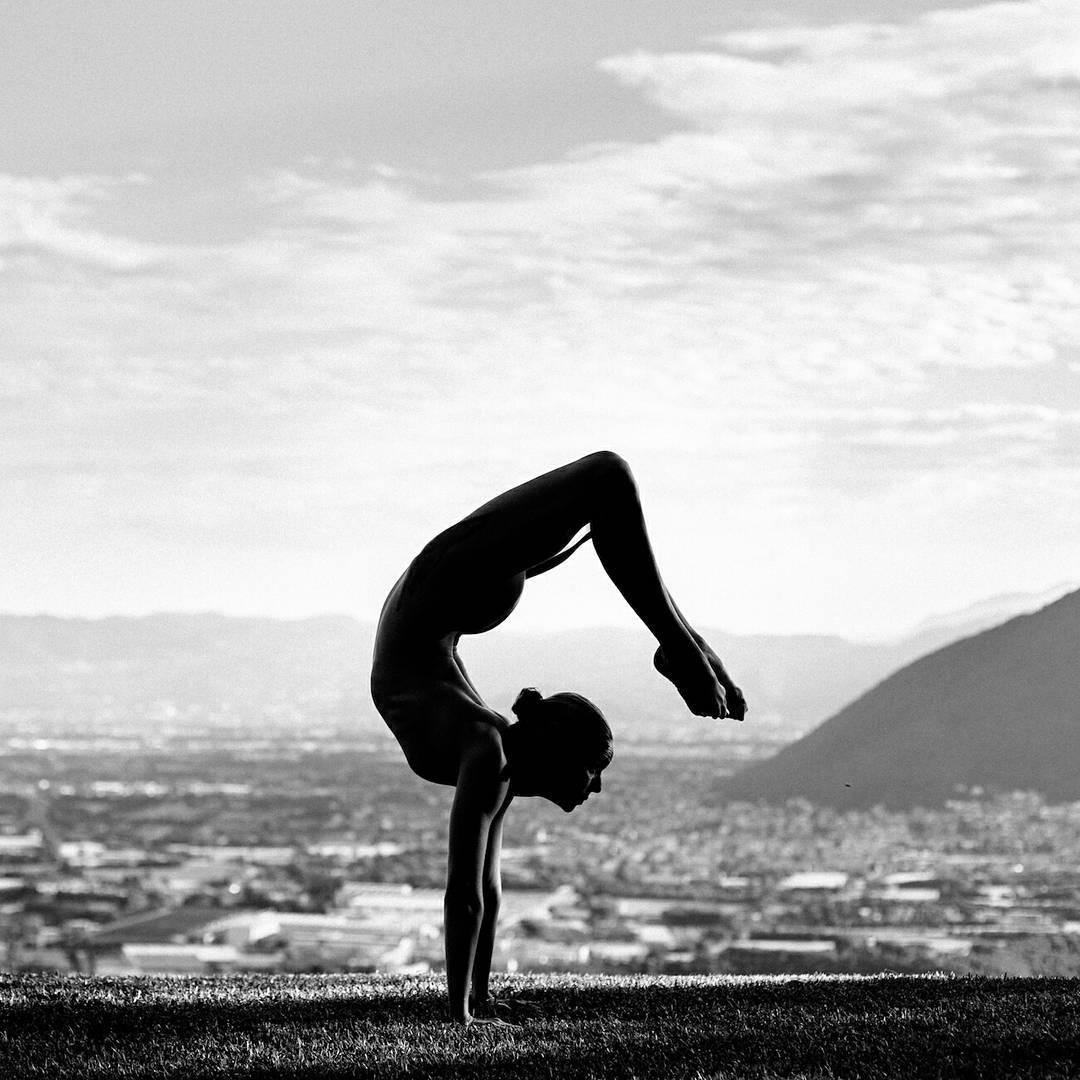 10 Inspiring Fitness Girls To Follow On Instagram  Gym Gurus-7092