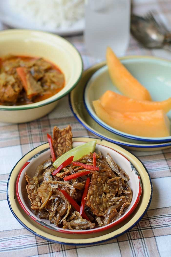 Crispy Anchovies with fermented soybeans