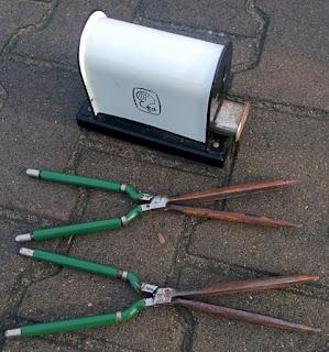 Elektryczna nagrzewnica do lokówek, karbownic. Vintage electric curling iron heater.