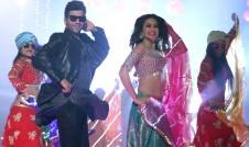 Shaadi Mein Zaroor Aana hindi film song Pallo Latke top 10 hindi song week 2017