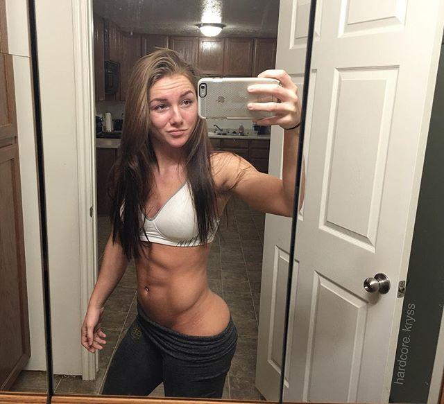 Female fitness Kryss DeSandre