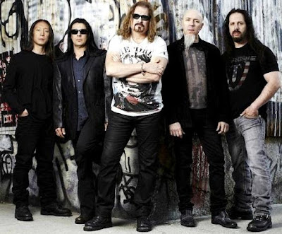 Foto de Dream Theater fuera del escenario