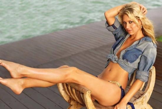 Hot girls 3 sexy Russia tenis players with bikini 6