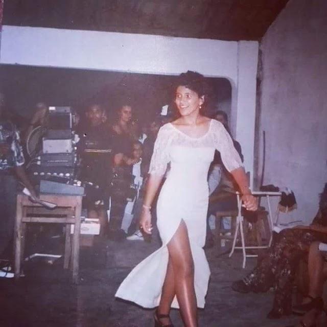 Modelo Eliza Saraiva como Rainha do Milho de Chaval em 1995