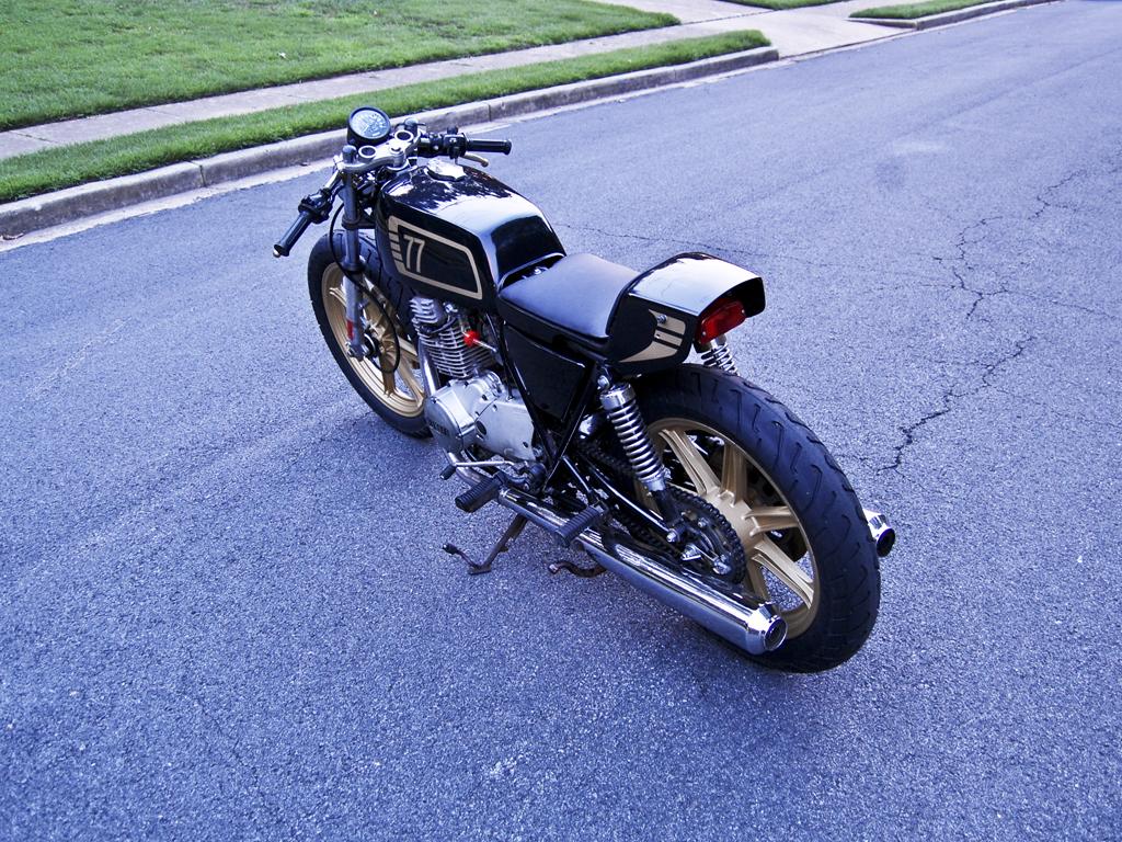 Racing Caf U00e8  Yamaha Xs 400 1977 By Motohangar