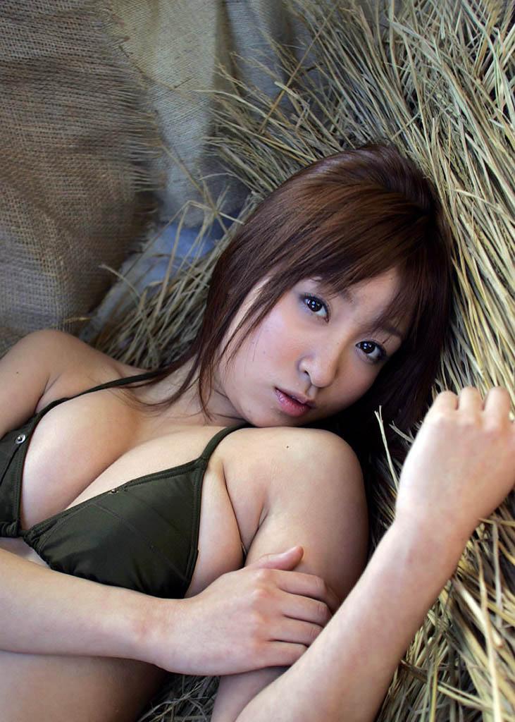 aya kiguchi sexy bikini pics 05
