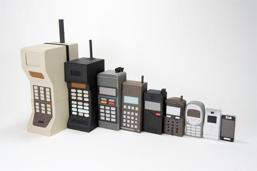 www.fertilmente.com.br - Imagem que relata a evolução dos telefones celulares até os modernos smartphones