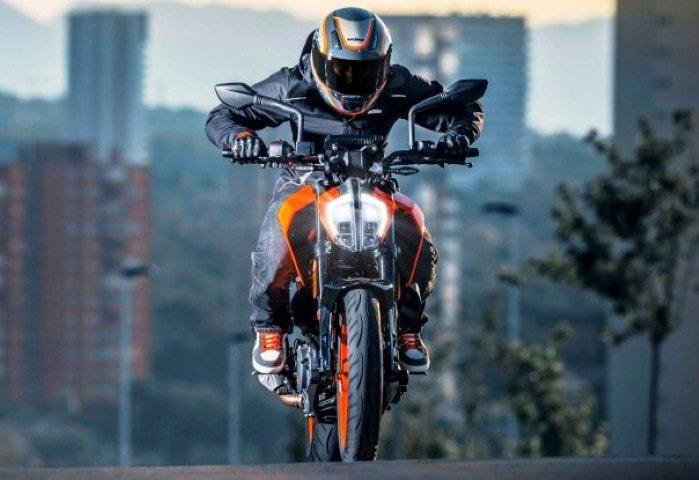 Headlight mati dan hidup sendiri, KTM Eropa recall Duke 125 dan 390 model 2017