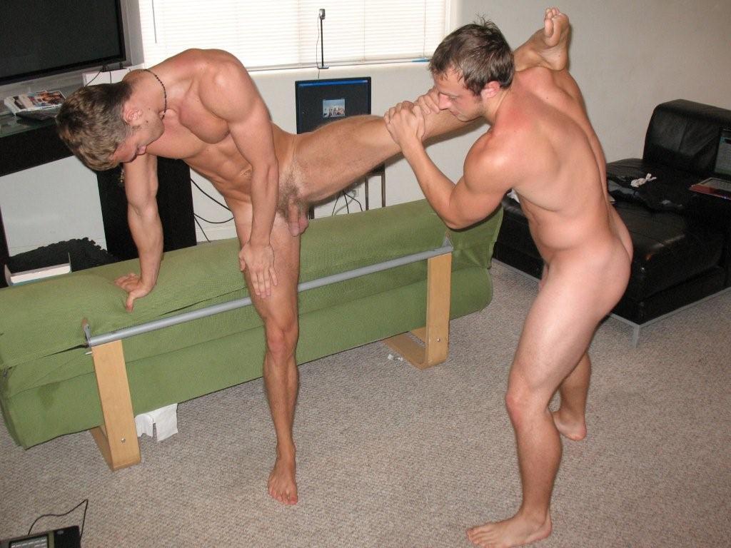 Guys doing splits naked