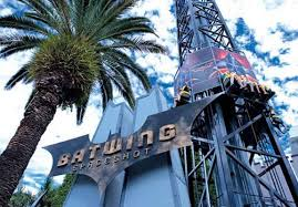 wahana Batwing Spaceshot di Movie World Australia