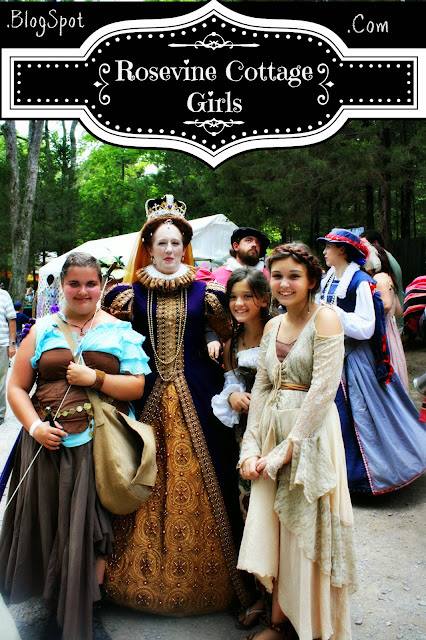 Tennessee renaissance festival - girls with the queen