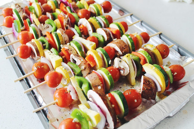 easy veggie kabobs, memorial day bbq ideas, pretty vegetable displays