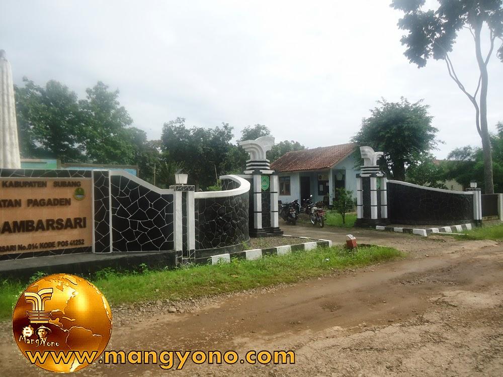 Gapura / gerbang Desa Gambarsari sebelah Timur