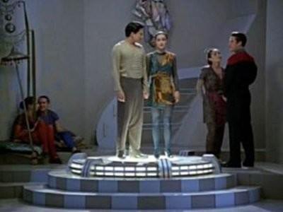 Star Trek: Voyager - Season 1 Episode 10: Prime Factors