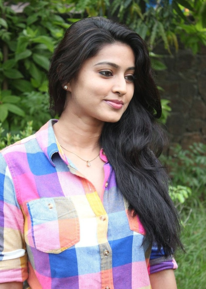 Piczgallerys Tamil Actress Sneha Latest Cute Pictures-5830