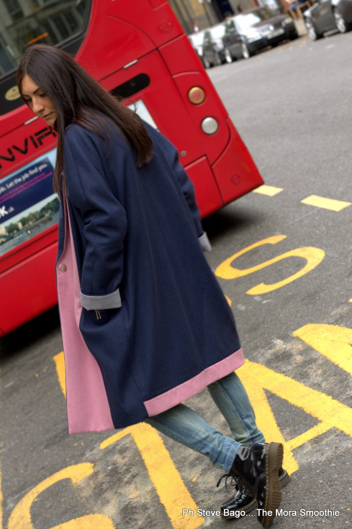 fashion, fashionblog, fashionblogger, italian fashion blogger, fashion blogger italiana, outfit, look, ootd, picoftheday, claudia gamba, coat, cappotto oversize, coat oversize, cappotto, denim look, look in jeans, jeans, blogger, italian blogger, blog, blogger italiana