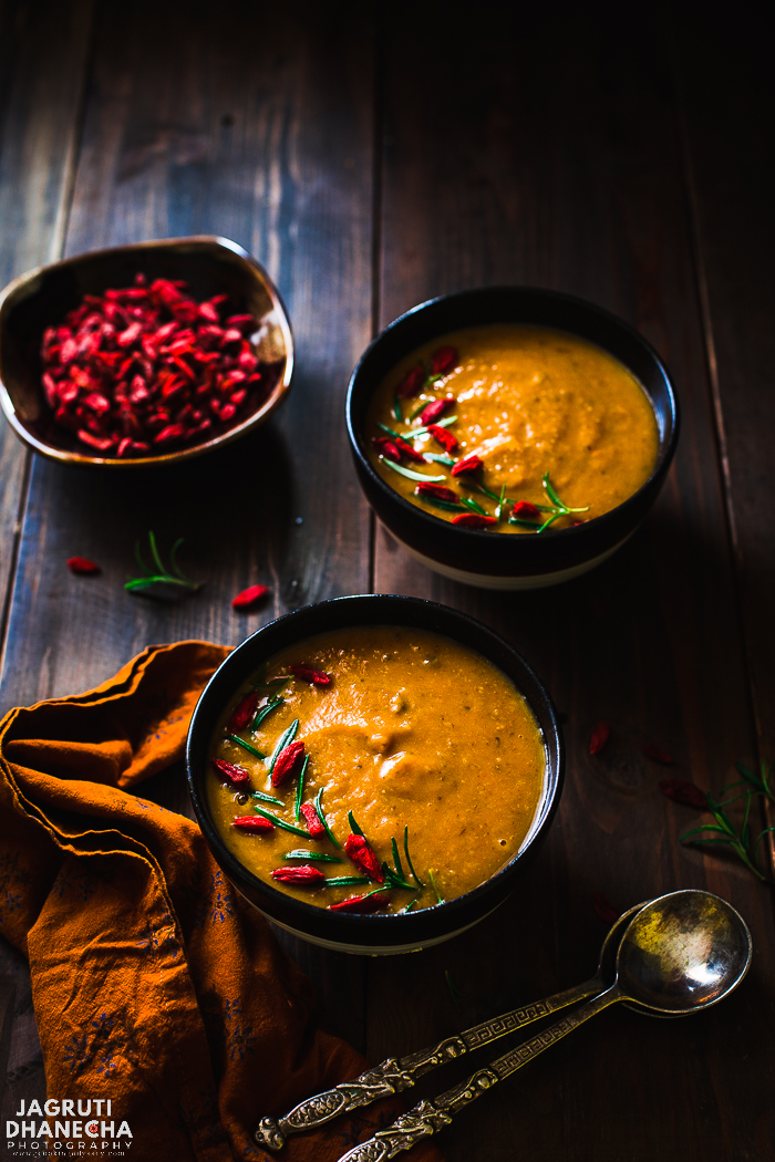 Fight back flu and colds with this Goji Berries, Mushroom and Sweet Potato vegan soup that is nothing but a powerhouse of goodness!