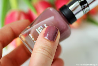 Review: Sally Hanson - Nr.360 Plum's the Word - www.annitschkasblog.de