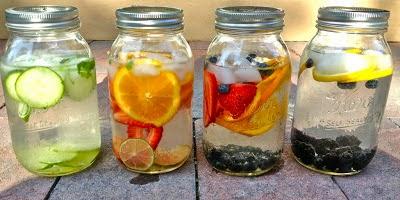 air putih yang telah dicampur dengan irisan satu macam buah atau dari banyak sekali kombinasi  Manfaat Infused Water Bagi Kesehatan