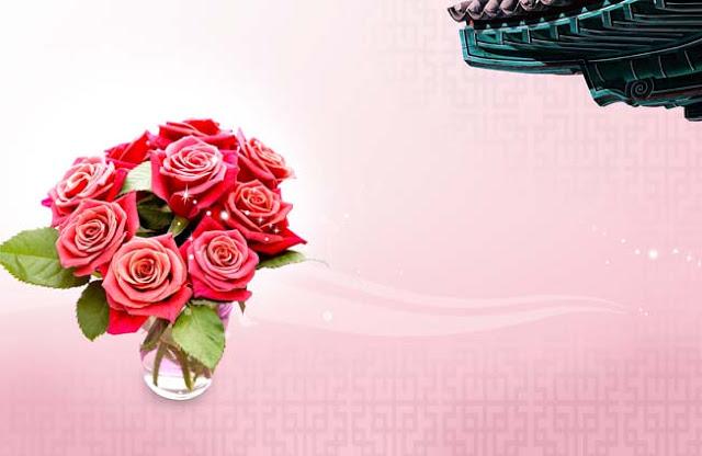 تحميل خلفية مزهريه زجاجيه وزهور حمراء مفتوحه للفوتوشوب ,Glass Vase Red Flowers PSD Background
