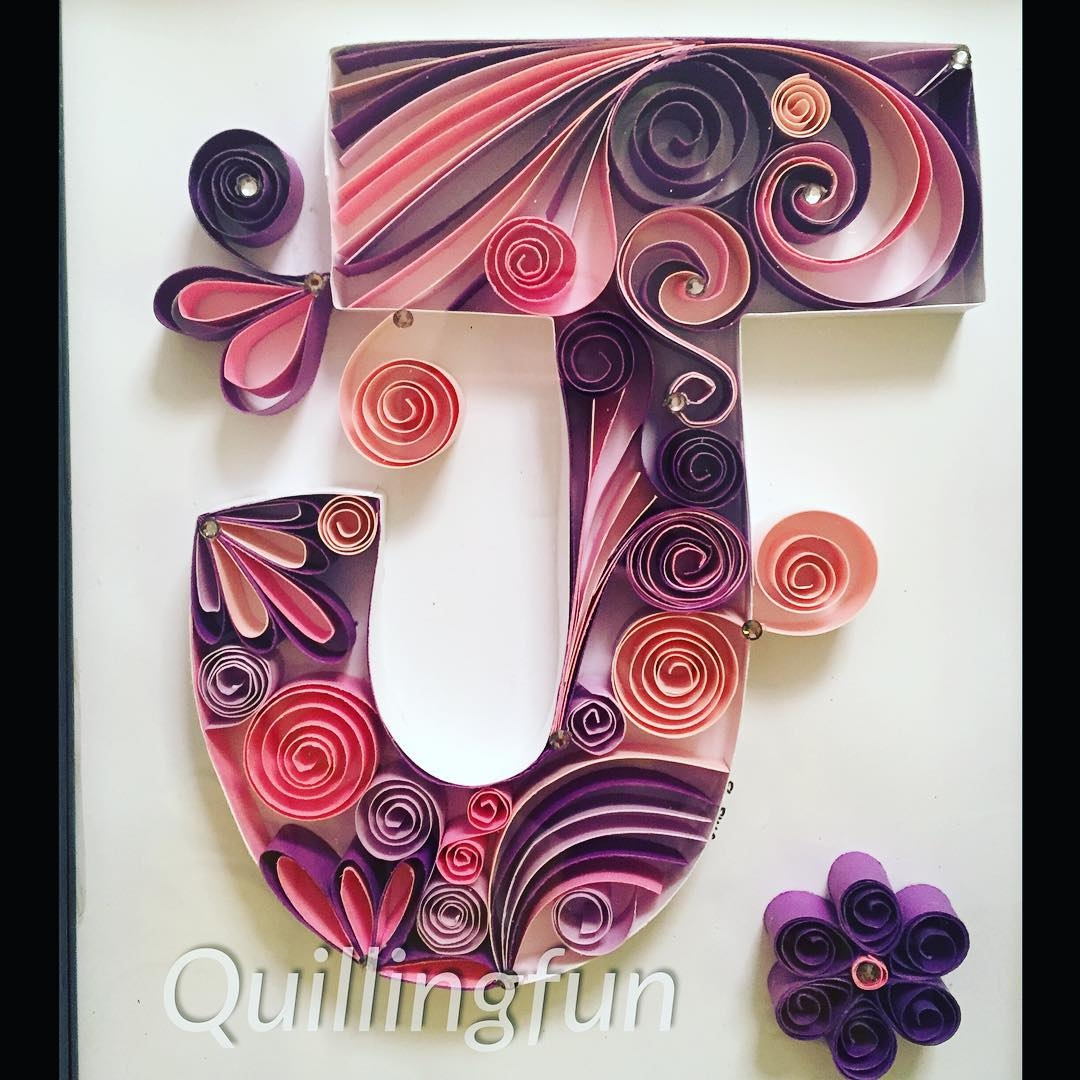 05-J-Jennifer-Stacey-Typography-with-Quilling-Drawings-www-designstack-co