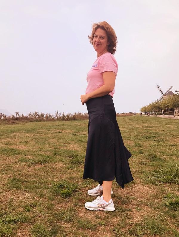 f21be25fb ME PASO EL DIA COMPRANDO: Cómo combinar la falda midi para estilizar ...
