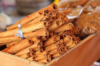 Cara menghilangkan bau mulut secara permanen dengan cinnamon kayu manis