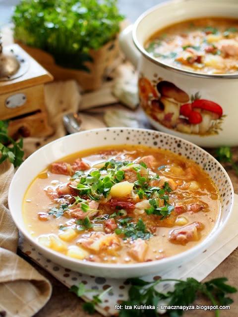 kapusniak z kapusty kiszonej, kwasna zupa, zupy domowe, jak u babci, kapusniaczek, kiszona kapusta, kapusniak na zeberkach i wedzonce