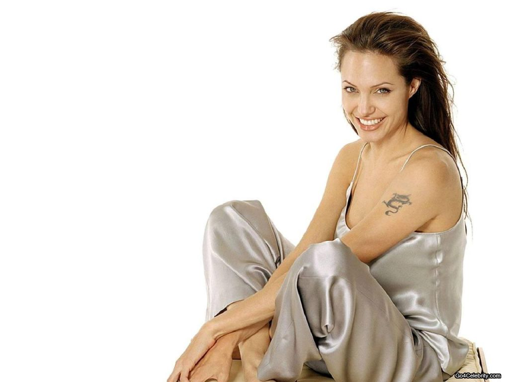 Hollywood Actress Angelina Jolie Sexy Wallpapers-3344