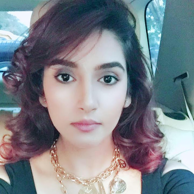 Ragini Dwivedi hot Images,kannada actress Wiki,Age,Address,Facebook,Height,Instagram,Movies List,Twitter