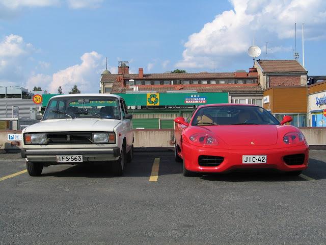 Lada vs Ferrari ανέκδοτο