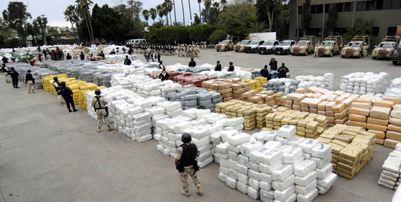 Carteles mexicanos disputan tráfico de drogas y personas a EE.UU.