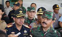 Cegah Barang Ilegal Masuk Indonesia, Panglima TNI Bawa Dirjen Bea dan Cukai Ke Entikong