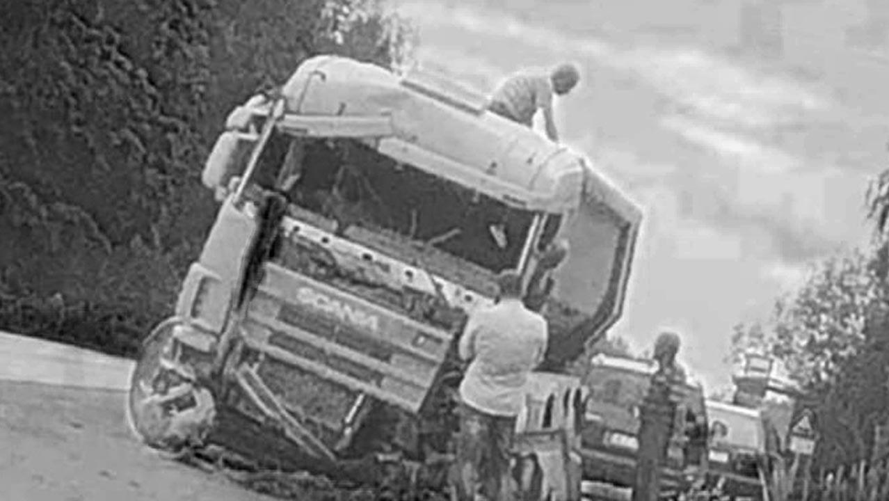 Kravas auto cietis avārijā