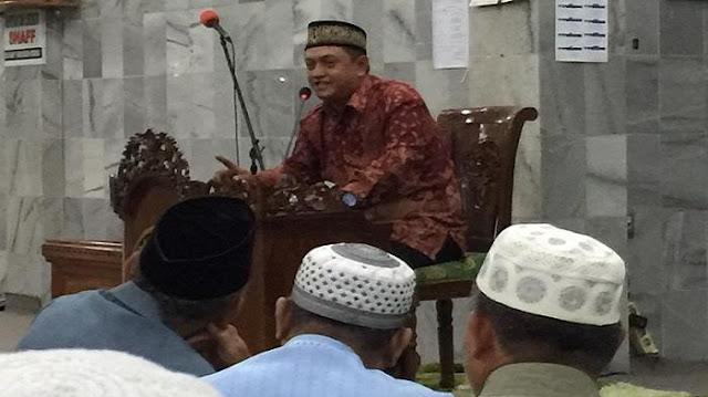 Subhaanallah, Mempertanyakan Bentuk Allah, Pendeta Ini Akhirnya Masuk Islam