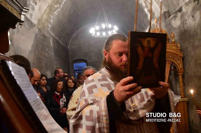 Γιορτάζει το ιστορικό εκκλησάκι του Αγίου Ανδρέα στο Παλαμήδι (βίντεο)