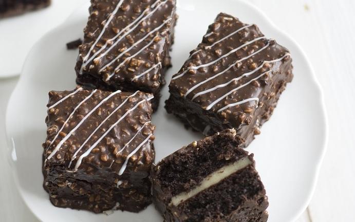 1caff2bada67e0 Czarna czy biała. Gorzka, mleczna czy deserowa? Kto nie lubi zgrzeszyć na  słodko? W piątek 12 kwietnia obchodzony jest Światowy Dzień Czekolady.