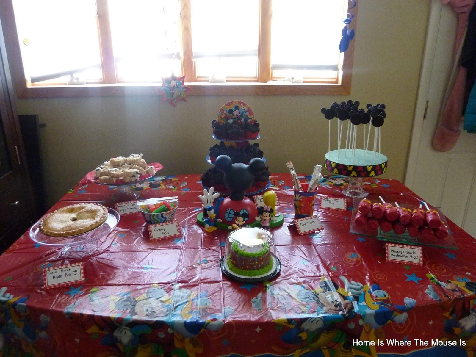 Mickey\'s Farm Birthday Party | Adventures in Familyhood