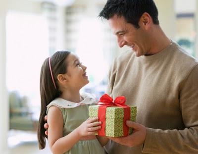 18 Kado Untuk Ayah Tercinta