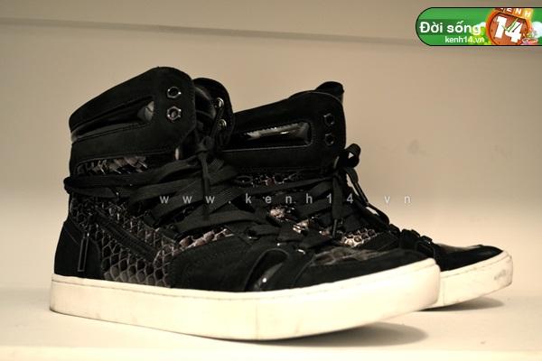 Bộ sưu tập giày sneaker tột đỉnh của anh chàng việt tại mỹ bạn nữ nào cũng m22ê