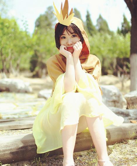 Pokemon Cosplay: Adorable Pokemon Human Pidgey Cosplay Girls